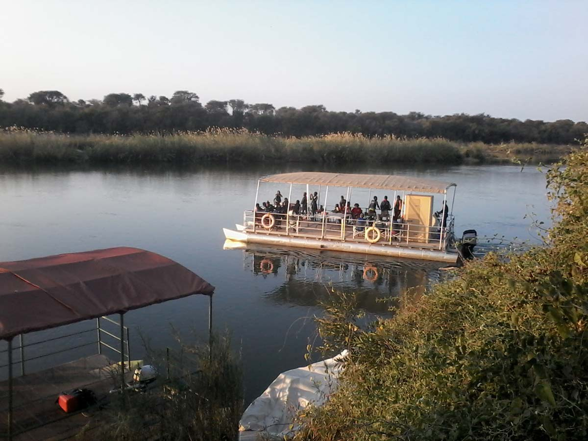 Tambuti Lodge boat cruise