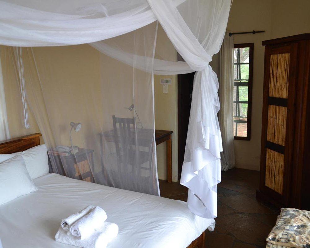Tambuti Lodge single/double room